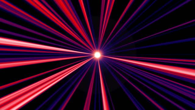 soyut kırmızı ve mavi ışık ışınları radyal arka plan. dj arka plan concept.seamless looped animasyon parlayan hatları arka plan. basit orta çizgi ışık döngüsü. - bling bling stok videoları ve detay görüntü çekimi
