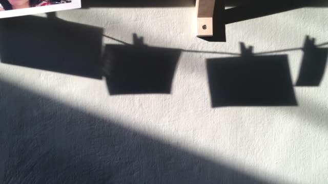 平野光壁の抽象の遅い移動四角形の図形の影 - 吊るす点の映像素材/bロール