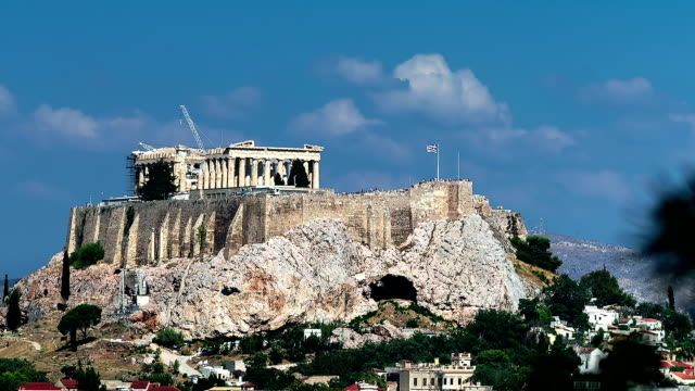 abstract the parthenon on acropolis hill motion view - mitologia video stock e b–roll
