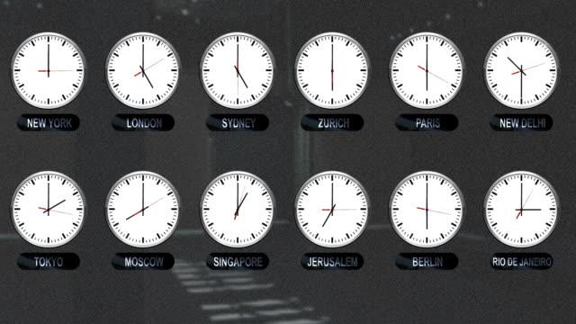 vídeos de stock, filmes e b-roll de relógios precisos com fusos horários diferentes em todo o mundo - fuso horário