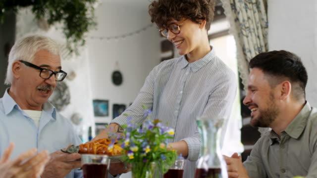 vidéos et rushes de réalisations en cookery - composition florale