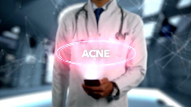 Acné - hombre Doctor con el teléfono móvil se abre y toca holograma enfermedad Word - vídeo