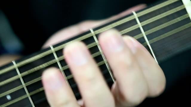acoustic guitar - akustisk gitarr bildbanksvideor och videomaterial från bakom kulisserna
