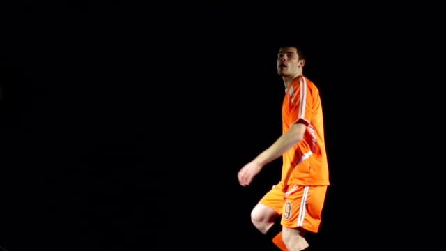 Acrobática voleibol de fútbol americano-jugador de fútbol-Super cámara lenta - vídeo