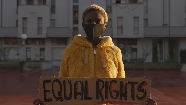 aktivist för lika rättigheter - sociala frågor bildbanksvideor och videomaterial från bakom kulisserna