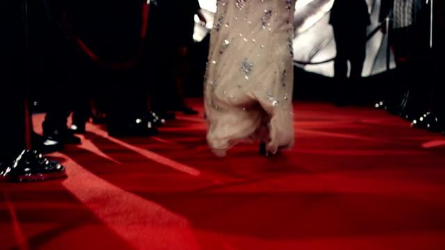 Actrice sur le tapis rouge - Vidéo