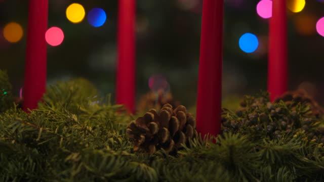 adventskranz - rote kerzen cu - advent stock-videos und b-roll-filmmaterial