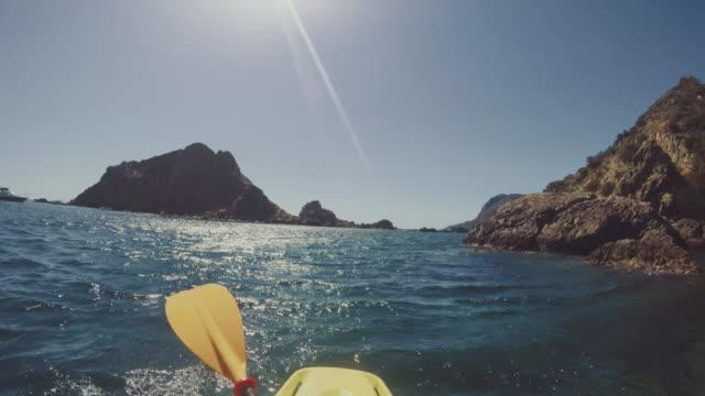 POV-Abenteuer: in einem Sommer Meer Kajak – Video