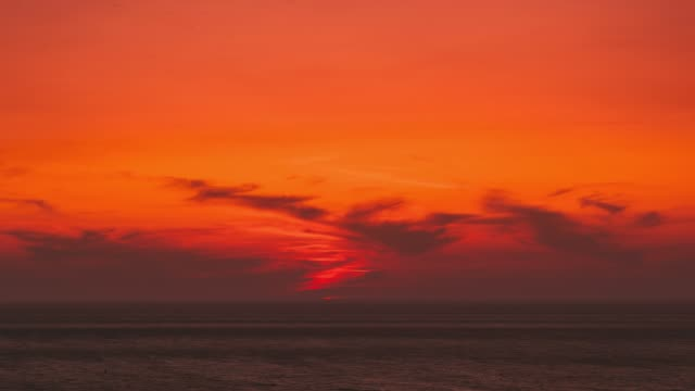aegean sea. evening sun sunshine above sea. natural sunset sky warm colors. seascape. fullhd - morze egejskie filmów i materiałów b-roll