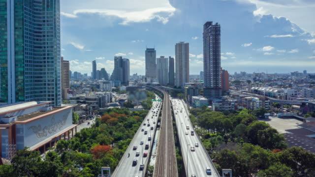 vídeos de stock, filmes e b-roll de tailândia da cidade de bangkok - veículo terrestre