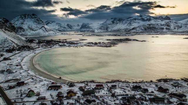 stockvideo's en b-roll-footage met aerial: bay op de lofoten-eilanden in noorwegen in de winter - baai