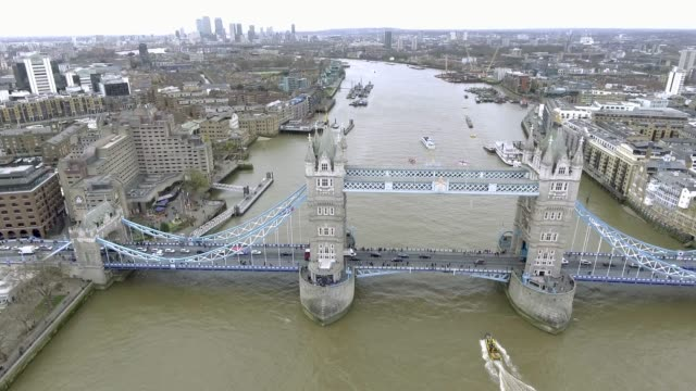 aerial bird eye view of tower bridge in central london, uk - londra video stock e b–roll