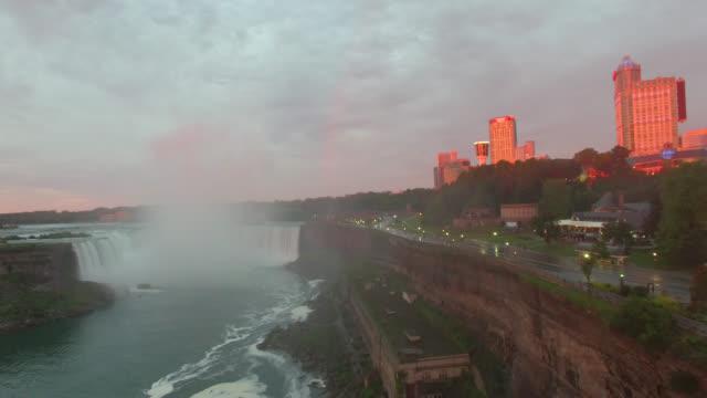 vídeos de stock, filmes e b-roll de vista aérea de fazer filmagens de falls em 4 k - rio niagara