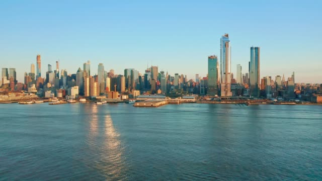 aerial drone footage of new york skyline - new york stock videos & royalty-free footage