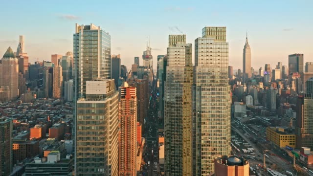 aerial drone footage of new york skyline - new york architecture stock videos & royalty-free footage