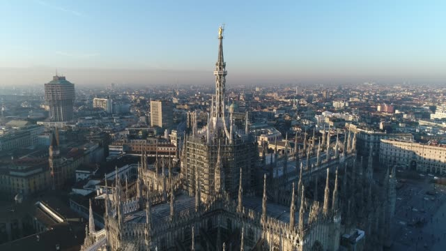 aerial drone footage view of cathedral duomo in milan - italian architecture stock videos & royalty-free footage