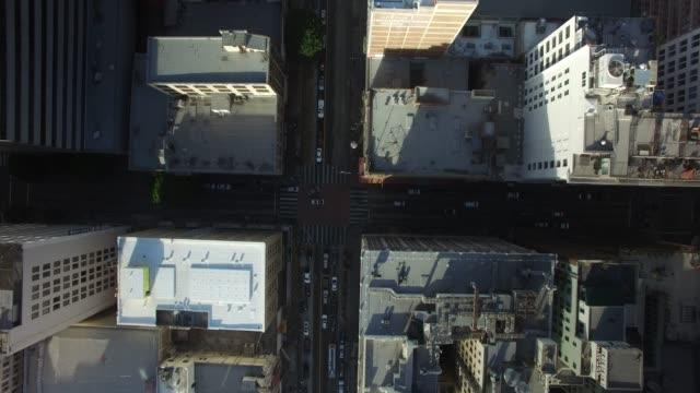 aerial drone of downtown los angeles - śródmieście filmów i materiałów b-roll