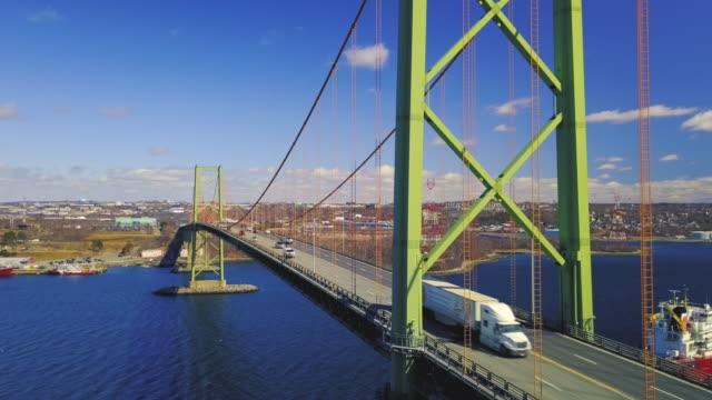 マッケイ橋の空中ドローンビュー - 大西洋点の映像素材/bロール