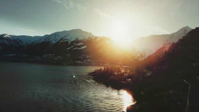 vídeos de stock e filmes b-roll de aerial drone view: the sognefjorden in norway - noruega