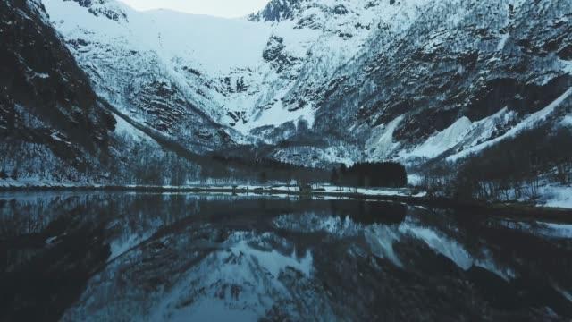 Luftbild-Drohne Ansicht: Sognefjorden in Norwegen – Video