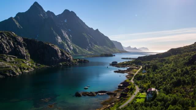 vídeos de stock e filmes b-roll de aerial footage of a fjord at the lofoten islands in norway - lofoten