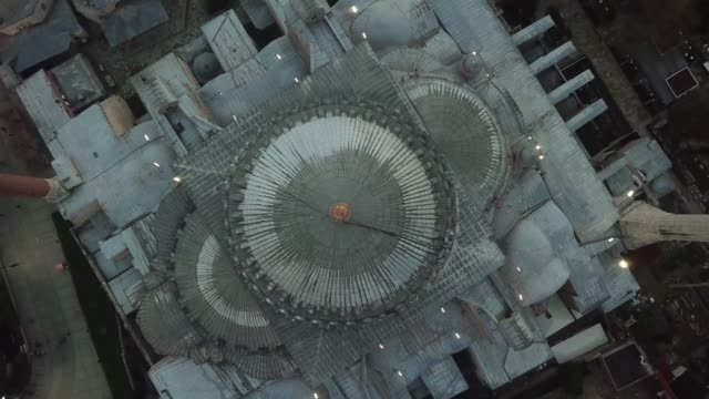 vídeos y material grabado en eventos de stock de imágenes aéreas de sunset en estambul. santa sofía y mezquita azul en la plaza sultanahmet - distrito eminonu