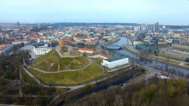 aerial: gediminas tower, vilnius - lituania video stock e b–roll