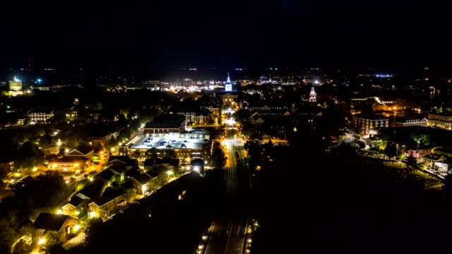 aerial hyperlapse of annapolis at night - stolice filmów i materiałów b-roll
