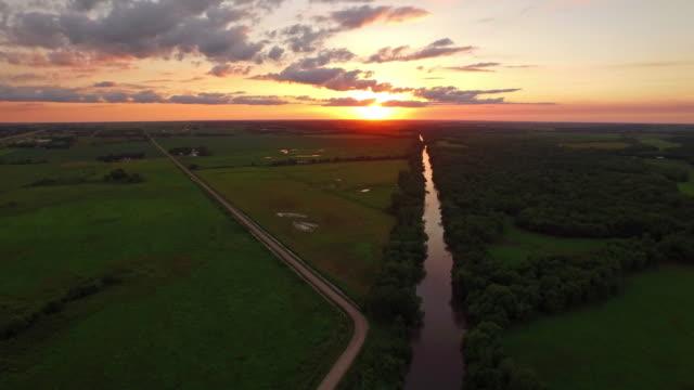 aerial iowa landsbygden - viadukt bildbanksvideor och videomaterial från bakom kulisserna