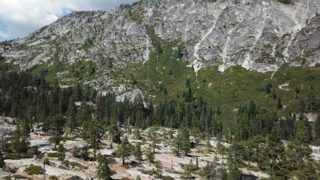 berglandschaft in der luft - südwesten stock-videos und b-roll-filmmaterial