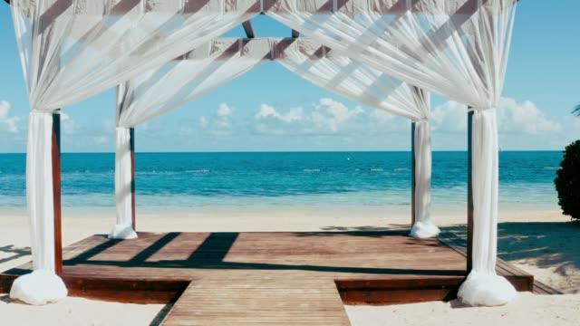 Luft einer wunderbaren Hochzeitslage am Meer, karibisches Meer, Jamaika – Video