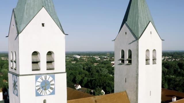 Antenne des Freisinger Doms, Innenstadt, Bayern, Deutschland – Video
