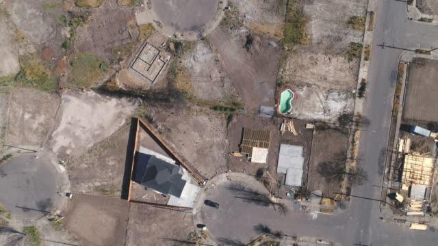 aerial of wildfire damage in coffey park, santa rosa, california - сила природы стоковые видео и кадры b-roll