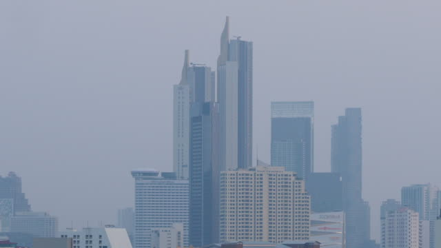 aerial overview of smog over the bangkok,febuary 2020 - качество стоковые видео и кадры b-roll