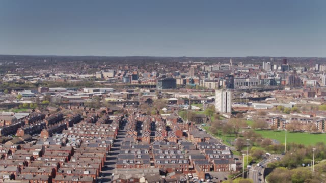 Aerial Panorama of Leeds - Holbeck to City Centre video