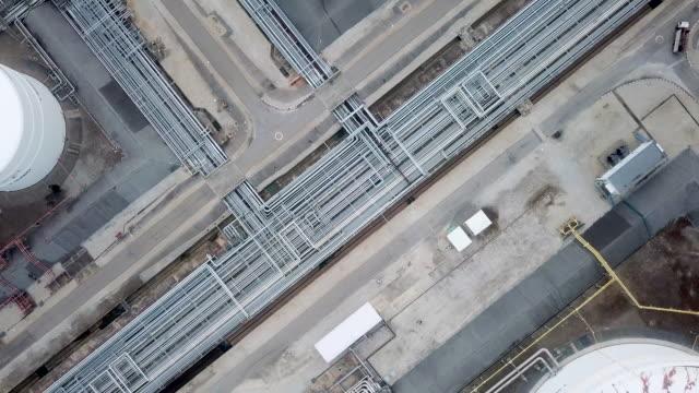 flyg raffinaderier växter, bensintank, olje tank - pipeline bildbanksvideor och videomaterial från bakom kulisserna
