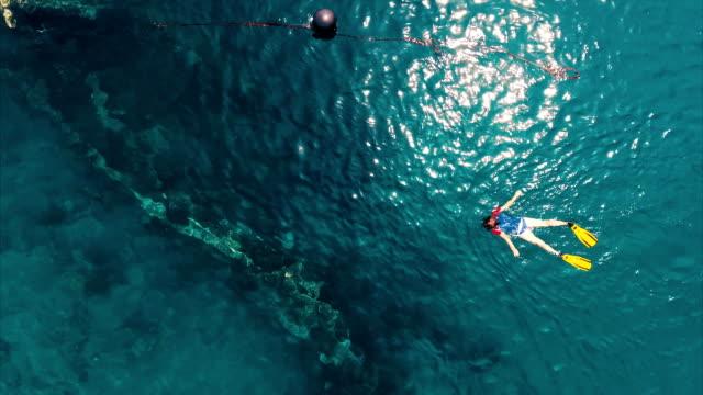 aerial shoot of the japanese ship wreck - кораблекрушение стоковые видео и кадры b-roll