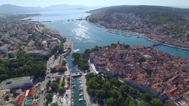aerial shoot of trogir old town. croatian tourist destination - хорватия стоковые видео и кадры b-roll