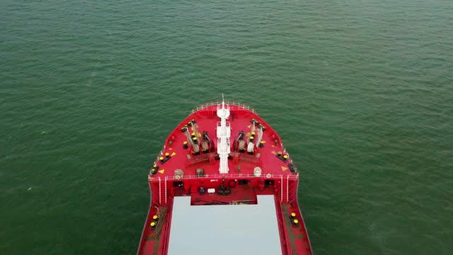 antenn skott av stora fartyg i havet - wine box bildbanksvideor och videomaterial från bakom kulisserna