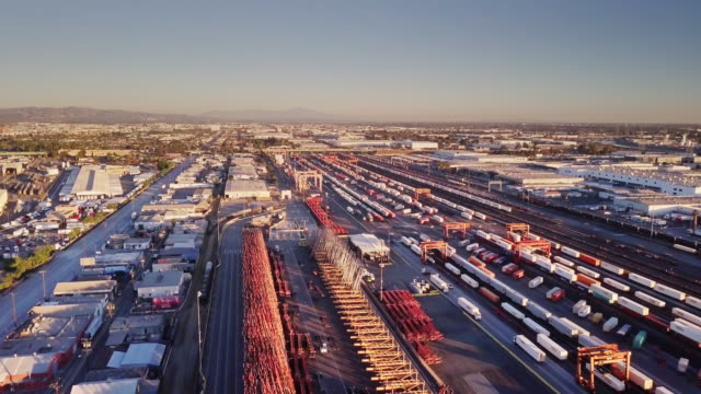Aerial Shot of Freight Trains in Warehouse District - Vernon, California - vídeo