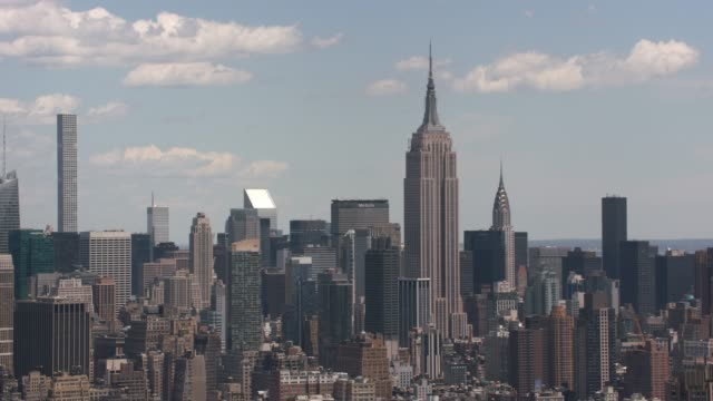 Photo aérienne des immeubles de Manhattan à New York City. - Vidéo