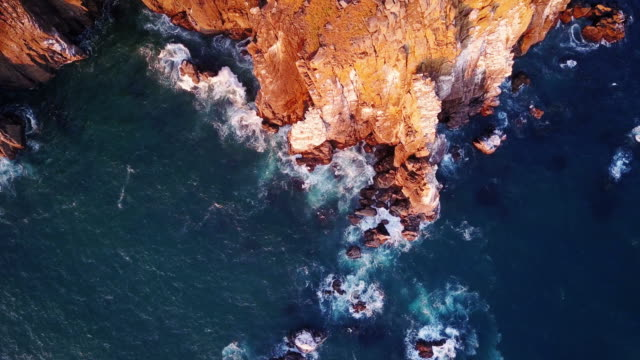 4k aerial shot of spectacular cliffs on northern oregon coast - cliffs stock videos & royalty-free footage