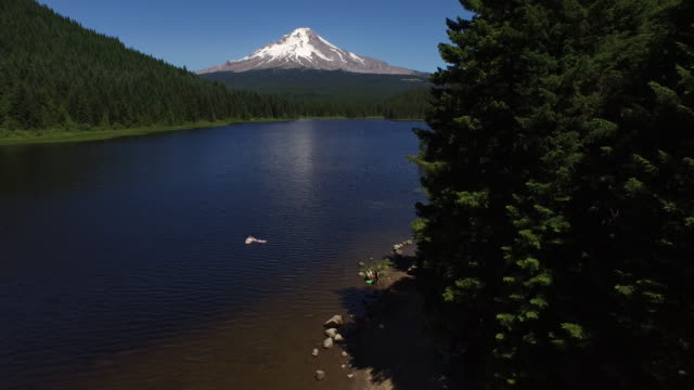 Aerial shot of Trillium Lake and Mt. Hood, Oregon video