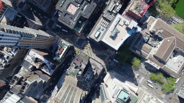 nyc aerial shot - stadtansicht stock-videos und b-roll-filmmaterial