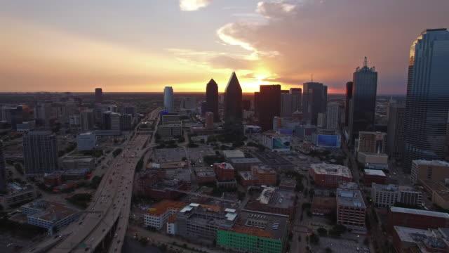 Vista aérea de la ciudad de Dallas, Texas - vídeo