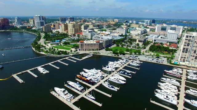 aerial video båthamn west palm beach - strandnära bildbanksvideor och videomaterial från bakom kulisserna