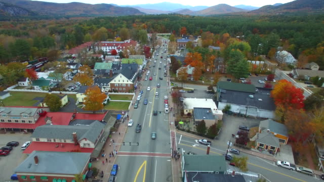 aerial video von conway-new hampshire - kleinstadt stock-videos und b-roll-filmmaterial