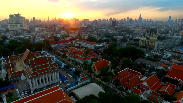 aerial view at golden mountain (phu khao thong), an ancient pagoda at wat saket temple in bangkok, thailand - wat video stock e b–roll