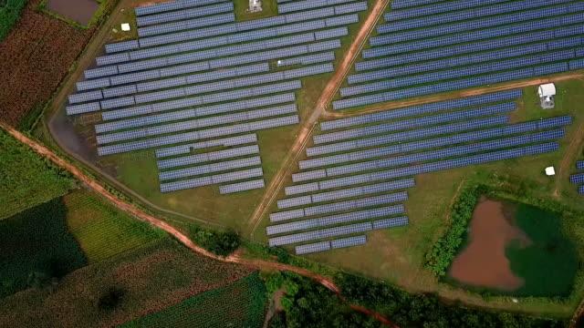 flygfoto med solcell gård på thailand - roof farm bildbanksvideor och videomaterial från bakom kulisserna