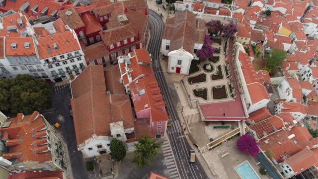 vídeos de stock e filmes b-roll de aerial view cityscape of lisbon in cloudy day - eletrico lisboa